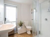 Garden Studio - Bathroom