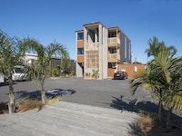 Beach Pacific Apartments Car Park